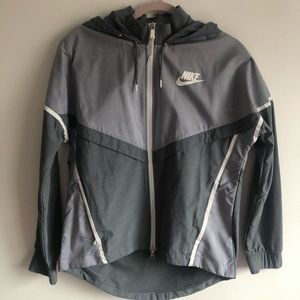 Nike reflective runners jacket